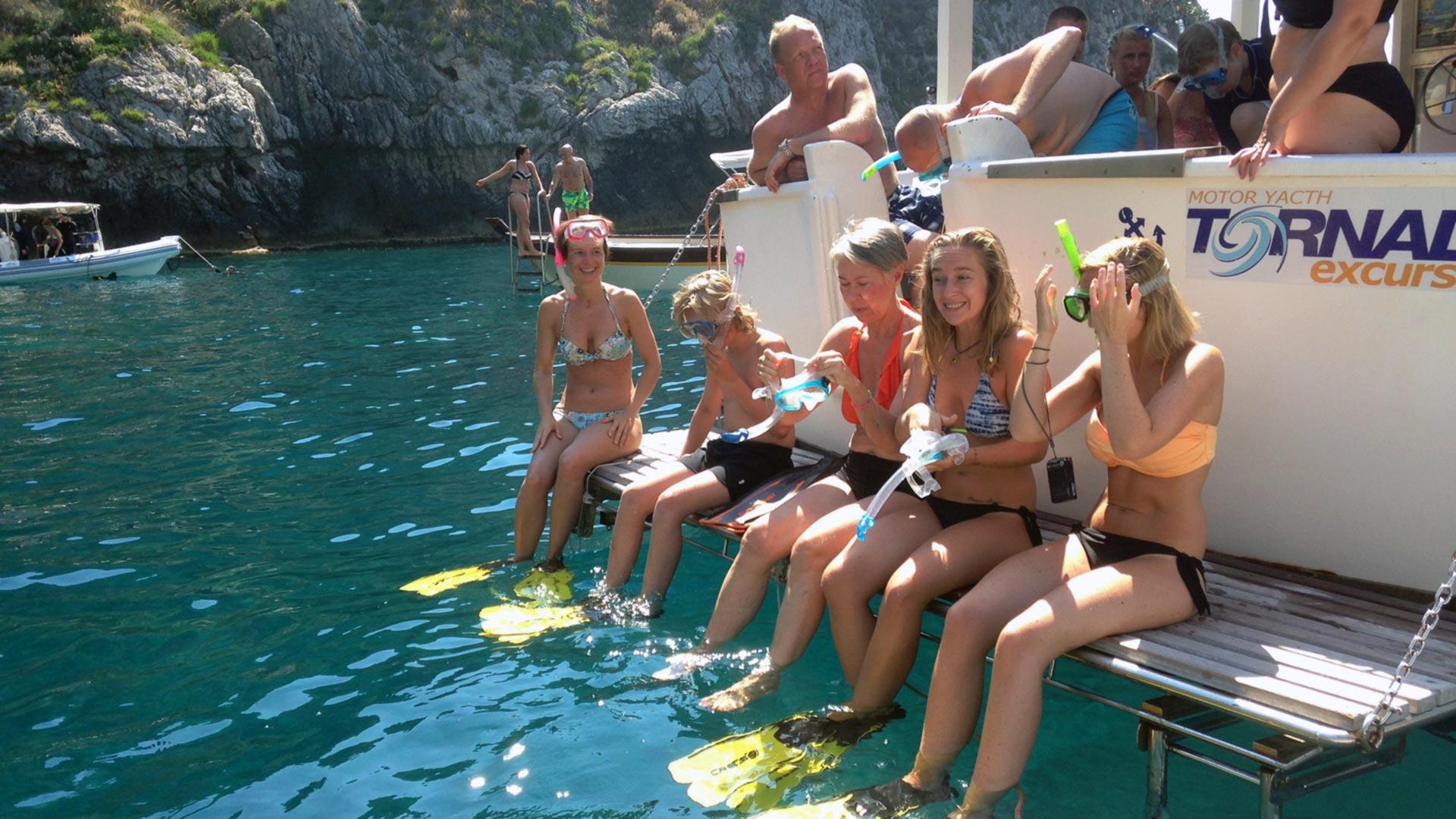 Snorkeling a Capo Taormina